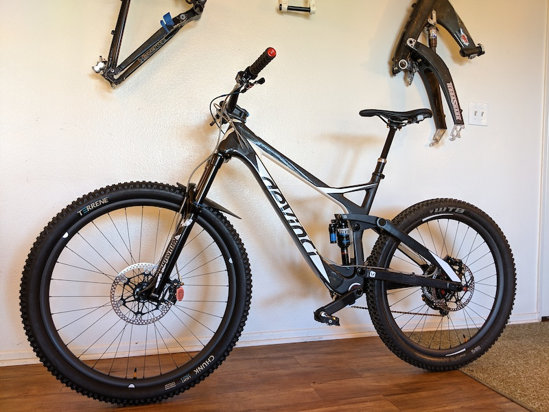 freshly completed Custom build Devinci Troy