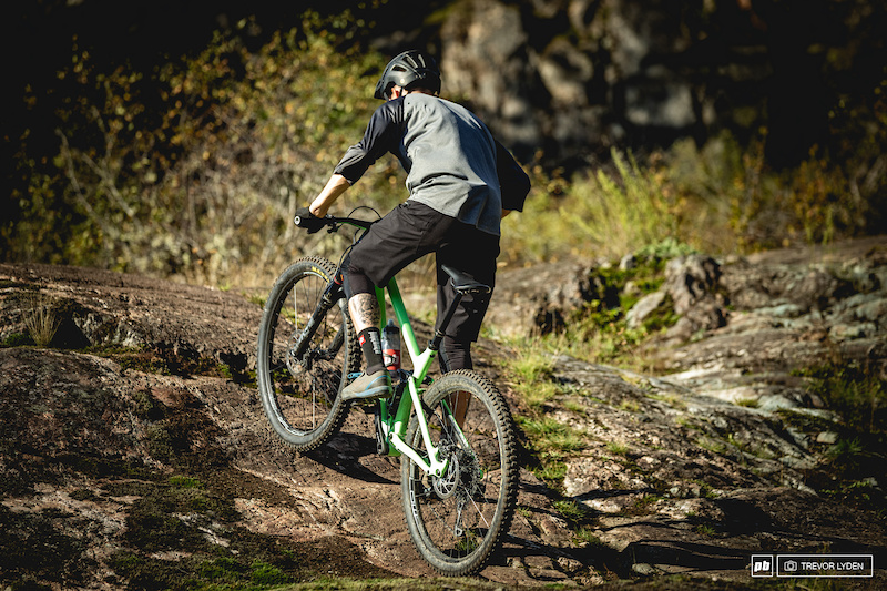 Mountain Bike Non-Slip Bicycle Handlebar Scrips Skull Bike Grips K#