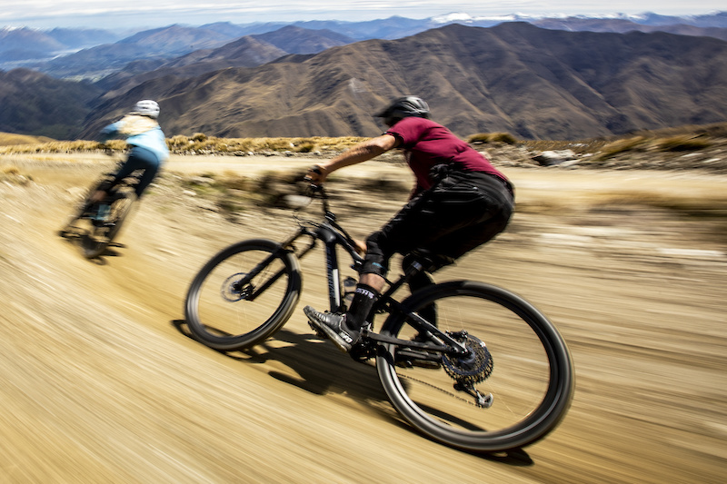 First Ride: The 2020 Specialized Turbo Levo SL Weighs Only 38 ...
