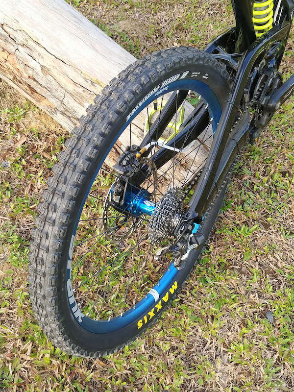 Finally Project CGP is finished. The custom painted frame powder coated shock goes very well with my handle bar pedals rims. Love it. Looks like a totally brand new bike. Special thanks to Kenny for building my bike up my wife that supported me as well. Scottbikes lovescottbikes paintextreme custompaintjob custommtb downhillbike spankbikes bike24 shimano downhill gmbn vitalmtb pinkbike
