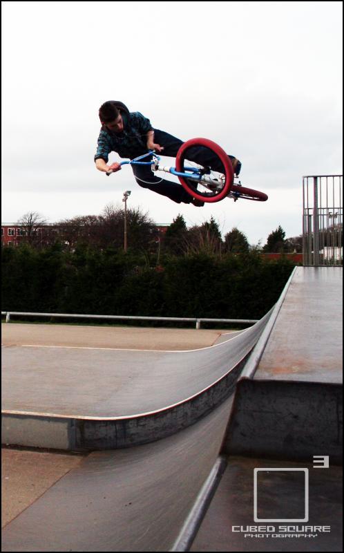Ben Tweak Air on Quater Photo - Laurence