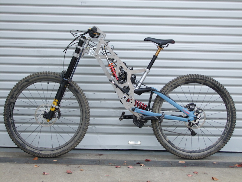 Latest build of a new prototype Dual front suspension DH bike.