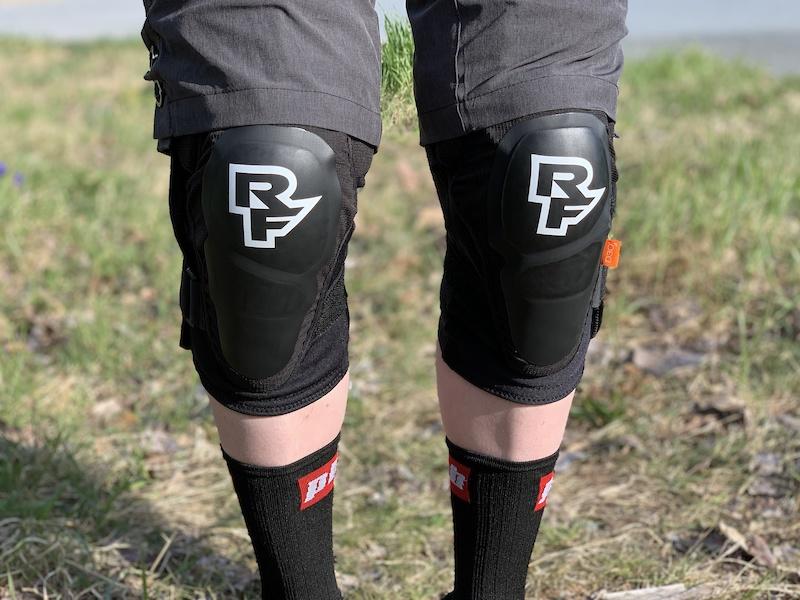 New Race Face Ambush Knee Pad Black SM