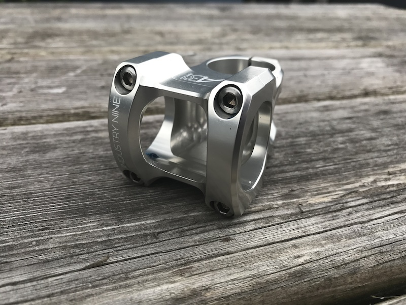 My new Industry Nine A318 stem in silver with a 40mm length