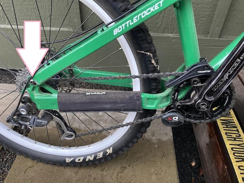 old type of Transition Bottlerocket rear triangle pivot bolt.