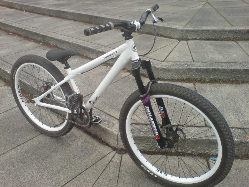 my bike ou side the courts