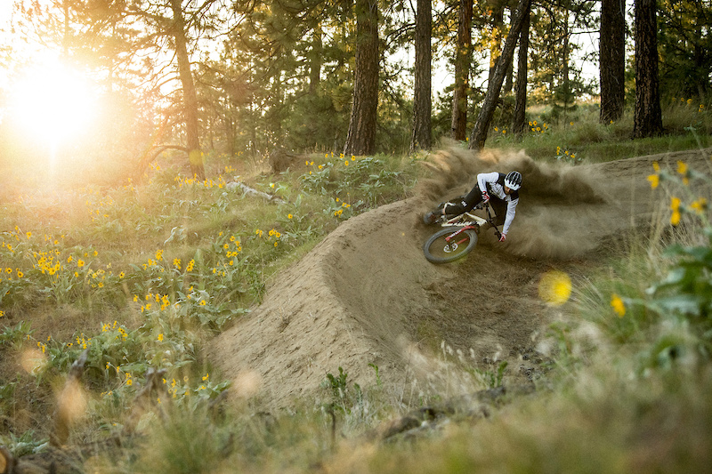Photo Story: R-Dog Rides the Gem That Is Beacon Hill in Washington - Pinkbike