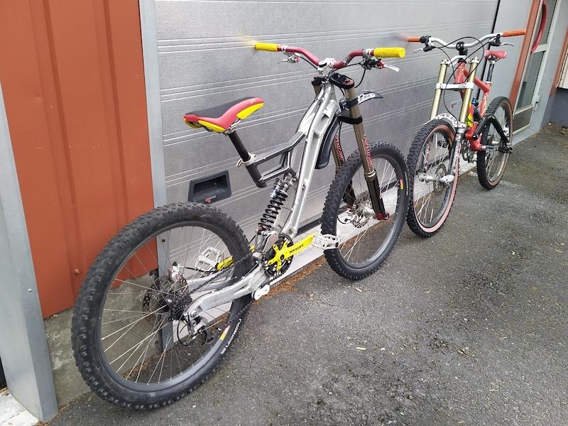 Sintesi Bazooka III 2001 and Sintesi Bazooka I 1999