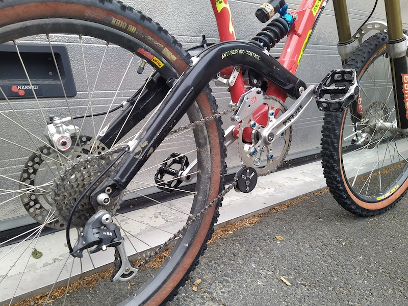 Sintesi Bazooka I 1999 built with almost complete Team Sintesi original components layout. Chainguide Chain tensioner donated by Corrado Herin
