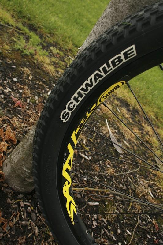 Schwable table top tire