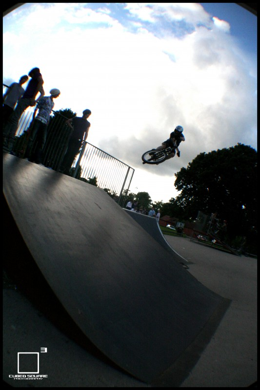 Perry hitting the hip from the quater to flat bank - Cubed Square Photography - Laurence CE