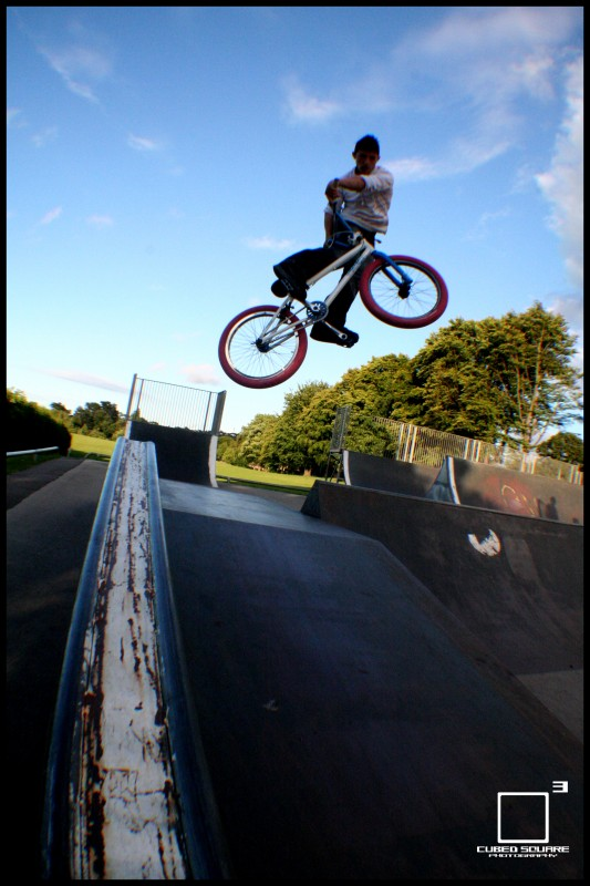 Ben throwing in a turndown - Cubed Square Photography - Laurence CE
