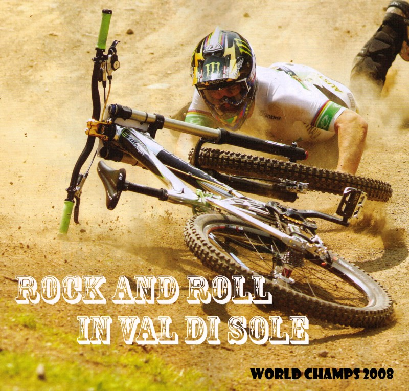 Sam Hills wash out on last turn 7 seconds ahead of Steve Peat who was in the hot seat....