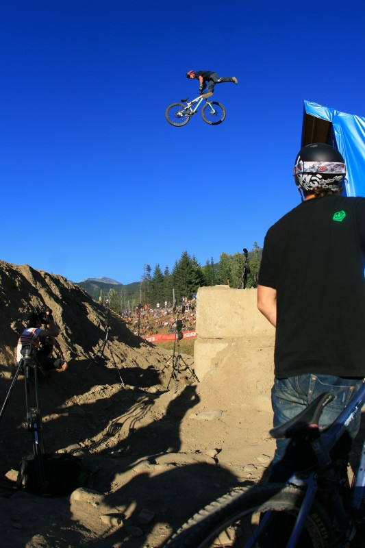 Pinkbikes Casey Groves killing it!