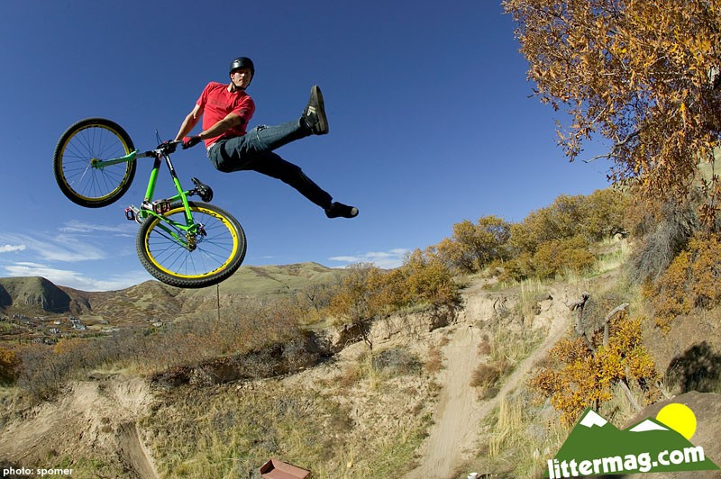 "Wayne Goss does a ""real"" no-foot can at a monster step up jump while filming for Latitudes HD Movie by DH Productions"