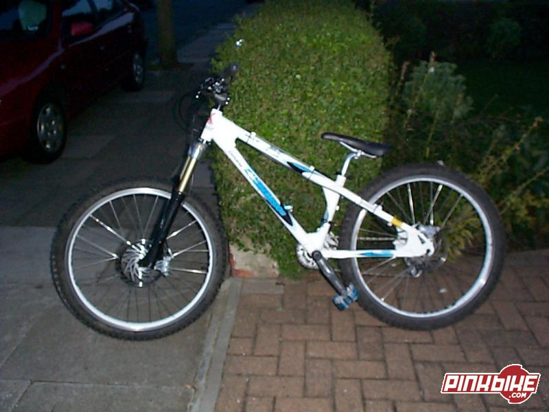pic of my bike (non-drive side)