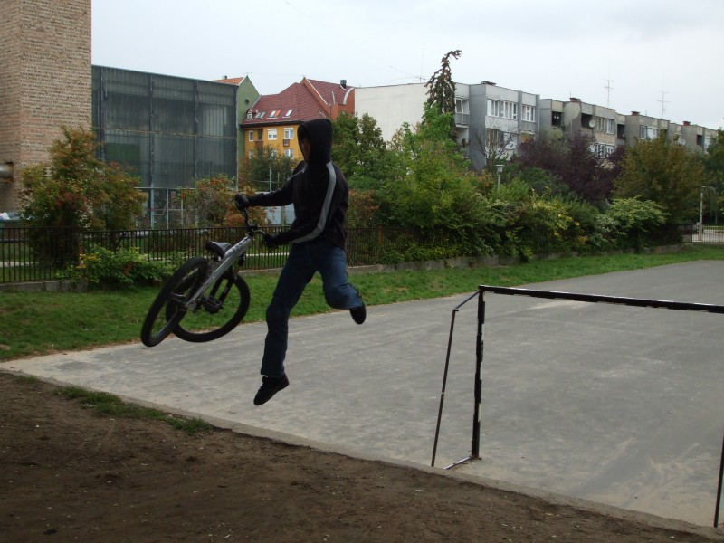 trying to do a tailwhip