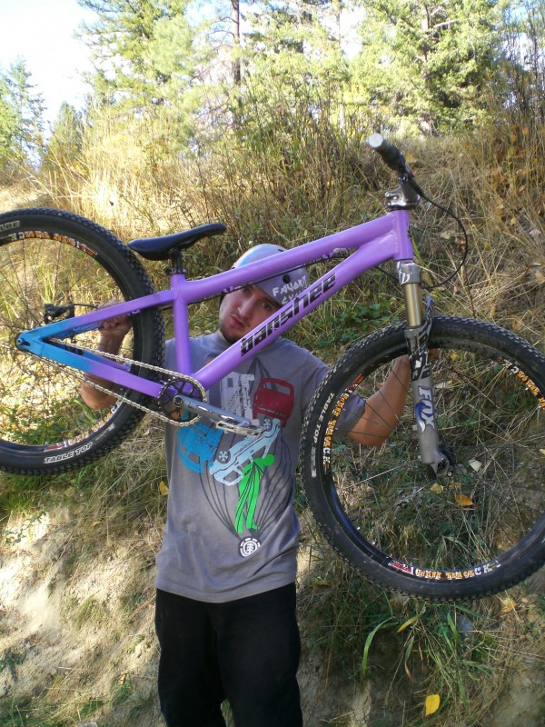 The Brand New Banshee AMP hardtail super solid and it only weights 4.45lbs!!! This build is 27lbs. thanks to favorit cycles and banshee for getting me the I need!