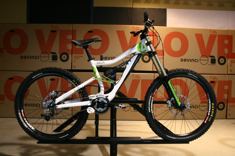 Bikes from the 2009 Devinci Line up - Wilson 4 .