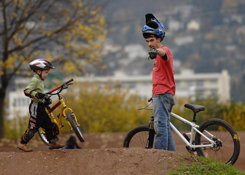 making of our vidéo for a concours with a little boy .  link to this vidéo :  http://www.zapiks.fr/reves-d-un-jour-essais-encod.html