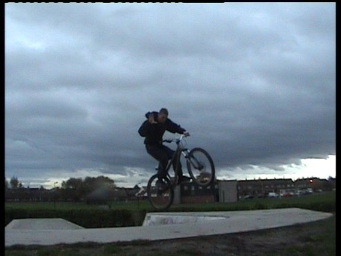 1 hander out of bowl (agen be4 new stuf on bike )