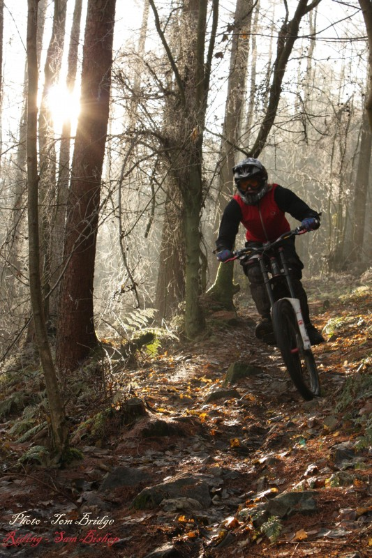 Riding in Autumn -  Bishop shredds on his new VP Free !