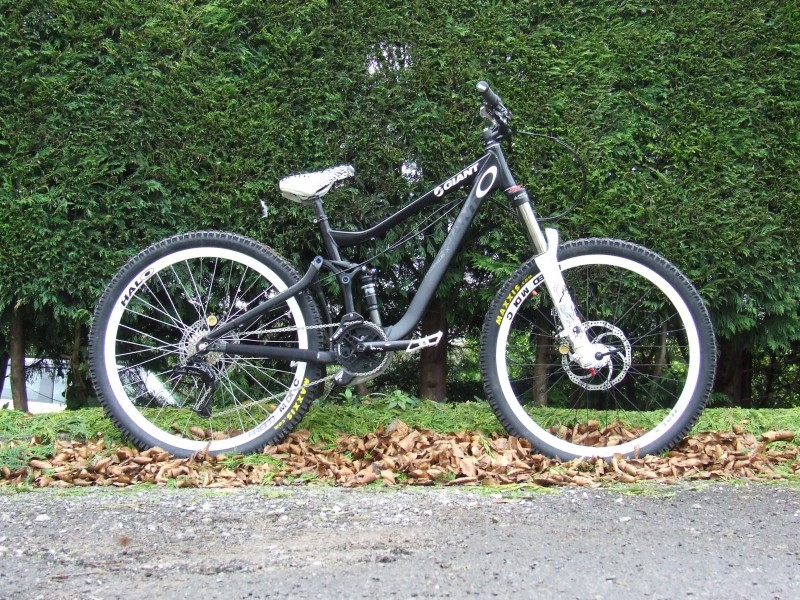 My new Giant Trance X with 66 ATAs, Formula the Ones and shiz