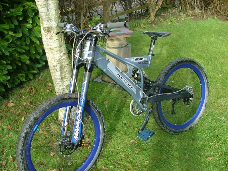 my new hope moto m6 6ti brakes on ma woodbumble with dorado. and new ns legeater pedals. yum