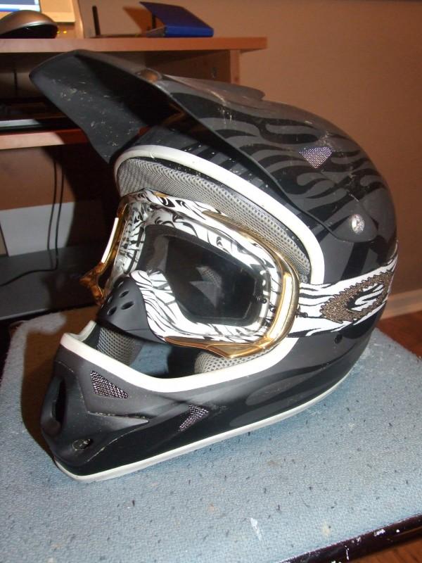 my new helmet  pro bravo 2008 with JAMES STEWART SIGNATURE SERIES CROWBAR® MX