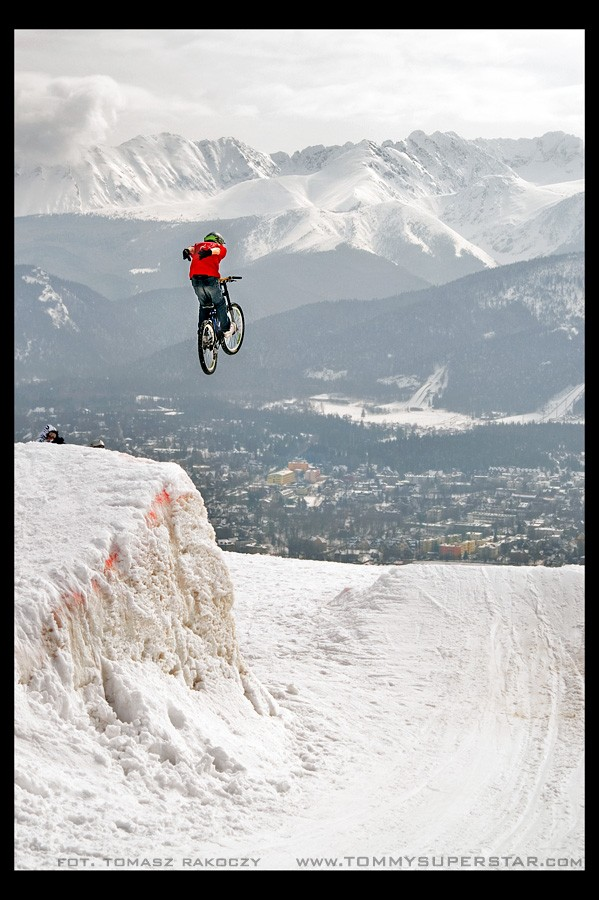 15 meters snow jump/