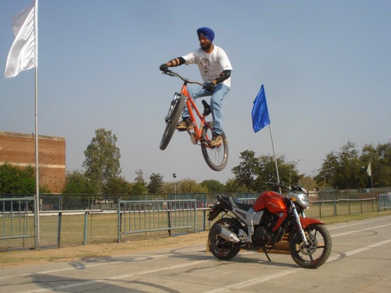 jump over yamaha FZ16
