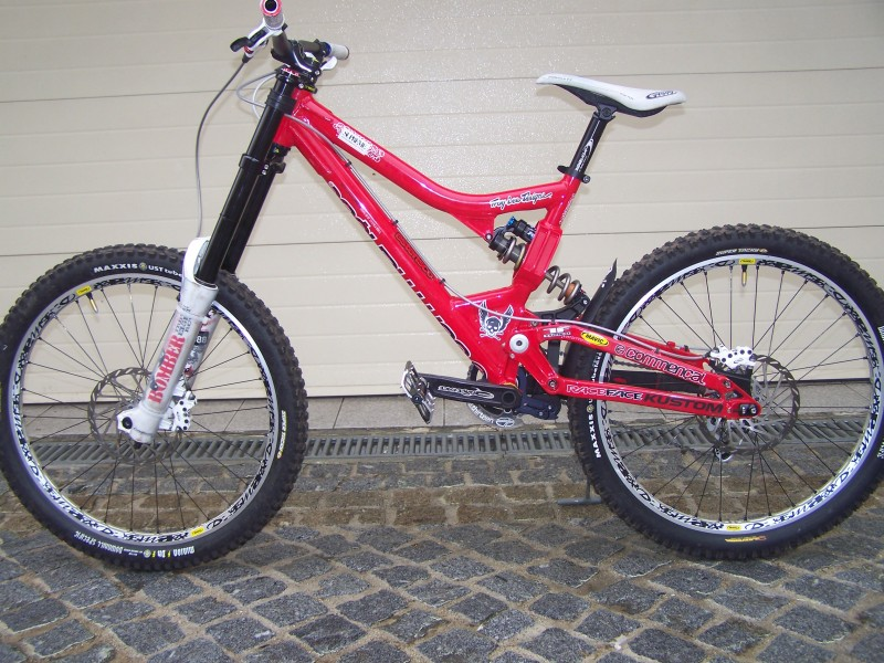 Commençal Supreme DH my08 with new upgrade - PUSH-ed FOX DHX5.0