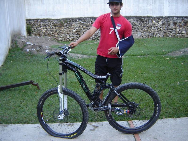 Nueva Iron Horse V10 (2010)