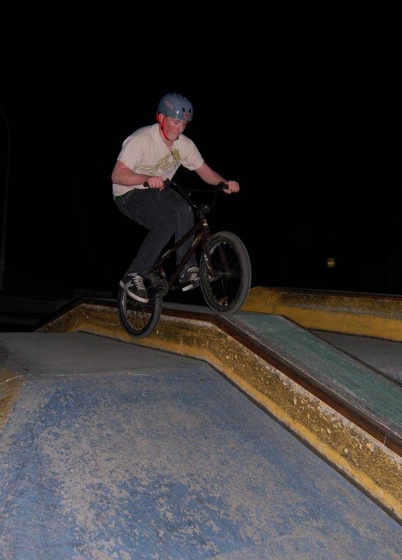 feeble on the small ledge of the box