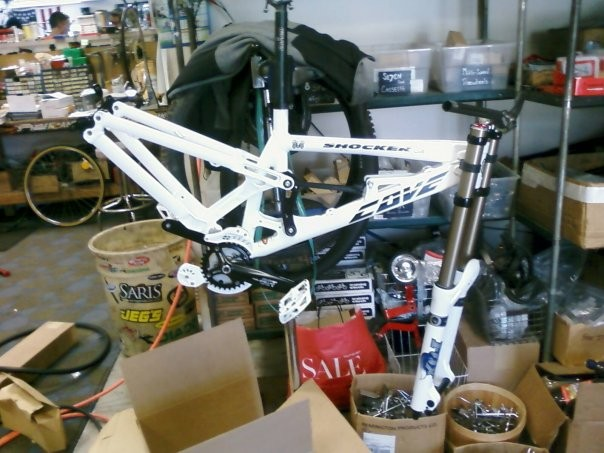 This is my 2009 cove shocker, she isnt totally build up yet, i am waiting on the elka shock and i9 wheels. sry the pic is so crappy its from my phone.