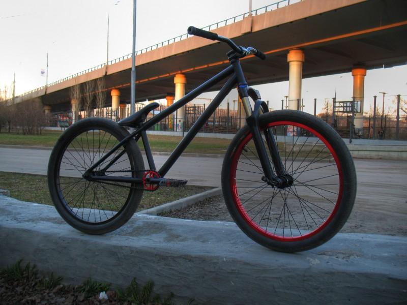 My new bike on a Mutant Evo frame. Weight: 10,9kg