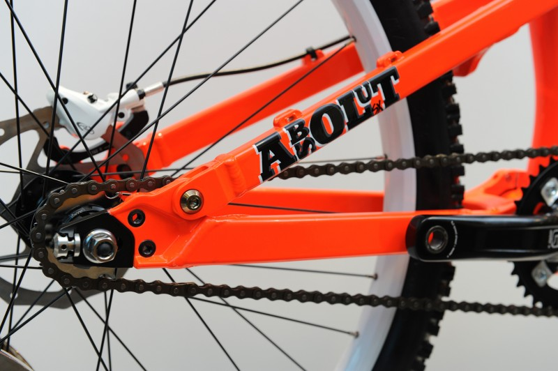 2010 Commencal Absolut - sneak shots.