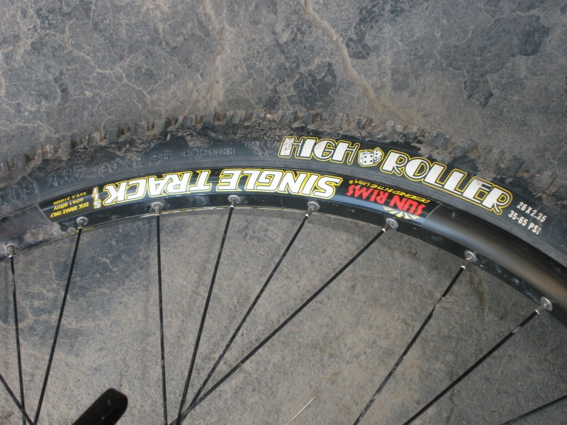 maxxis high roller tires with sun ringle single tack rims