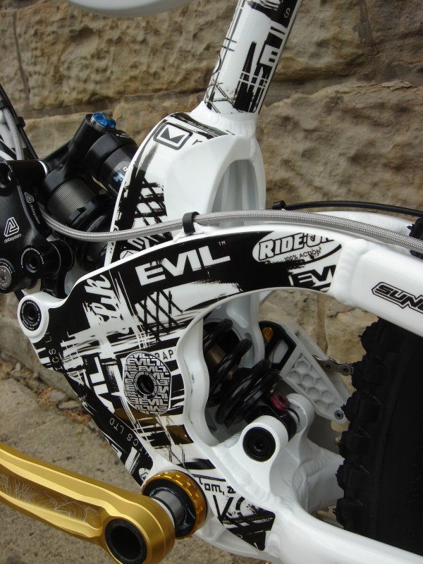 One of the first Evil Revolt bikes in the UK. Custom graphics made by slikgraphics.com. Design inspired by the factory decals but made for the owner of UK bike shop Ride-On. We are thinking of putting a version of this decal kit into production. What do you guys think?