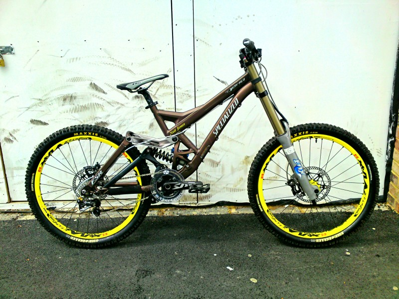 updated picture of my downhill bike, all new front end, nice and short