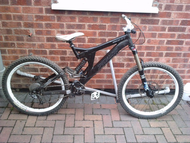 2006 Specialized Big Hit all specced up, missing the front brake though! Was gonna have Boxxer Teams but rides better with the Fox 36's plus im skint!