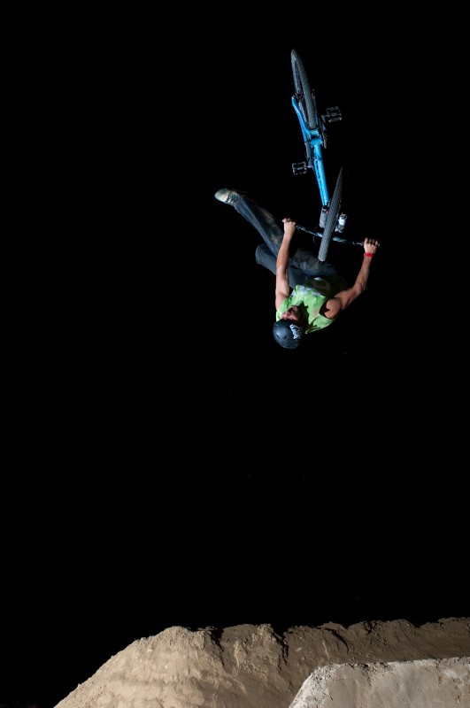 No footed can backflip