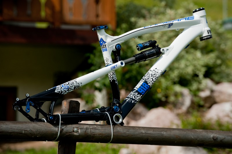 2010 Lapierre Froggie 918 with 180mm running OST technology framekit