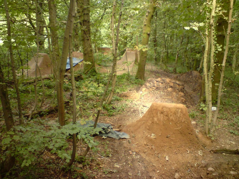 New line, hip to berm to jump into that landing of jump in distance.