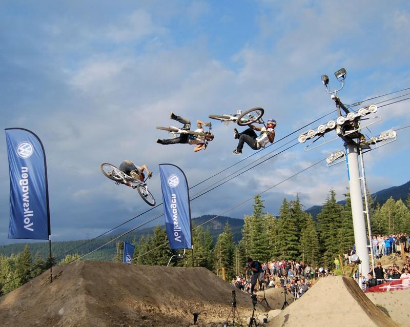 Andreu Lacondeguy 360 flat spin superman at Crankworx 2009 Slopestyle contest - best trick winner!