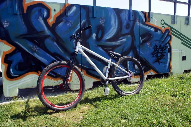 my bike ^^ ns bitch,  marzocchi 55R, avid juicy 5 etc.