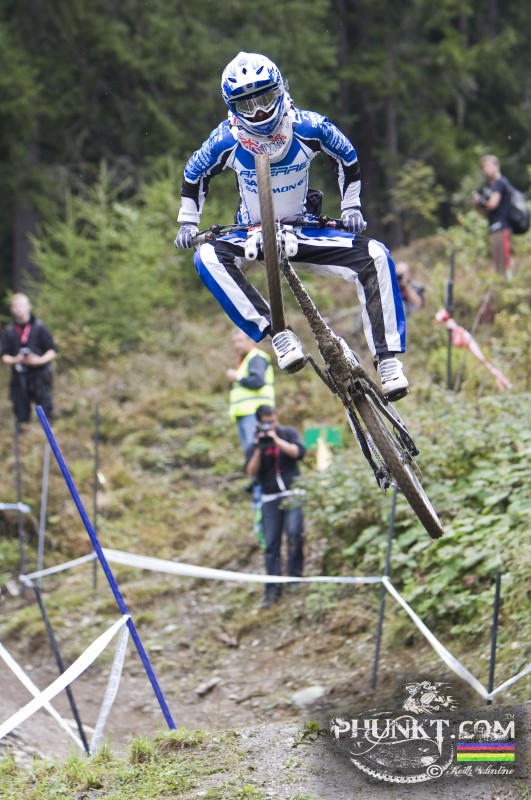 <img src='//ep1.pinkbike.org/p1pb6168857/p1pb6168857.jpg' />  Danny Hart pulling his signature Barhump at Schladming last year.