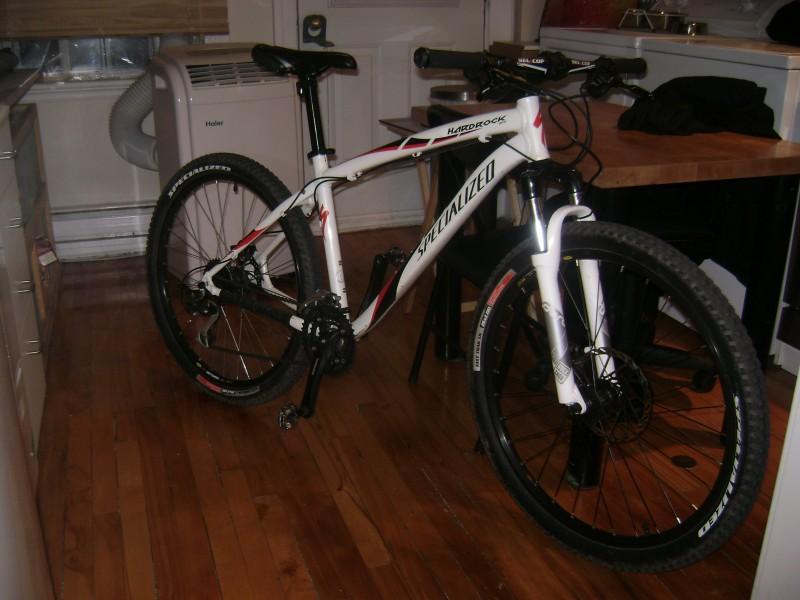 Bike : specialized Hardrock Pro Fork Brand : RockShox Dart 3 Wheels : Mavic 321 En Brake : Avid juicy three