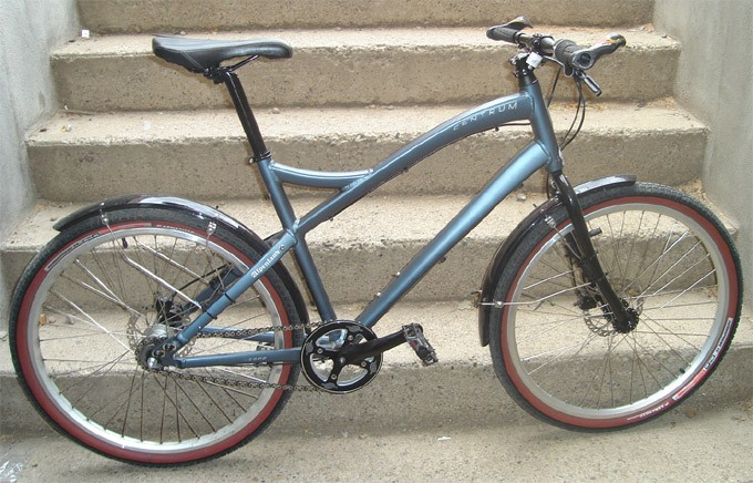 2008 Globe Centrum Comp frame, custom build. Cool commuter I had for a few years.
