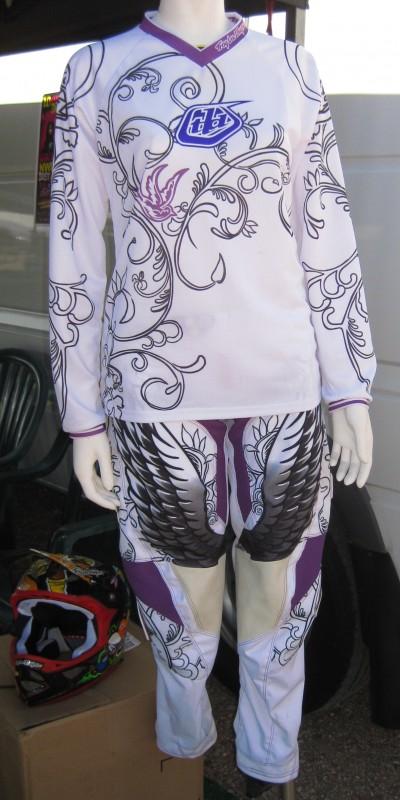 New Troy Lee lady's kit.
